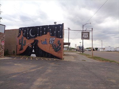 Root 66 Mural - Route 66 - Sayre,