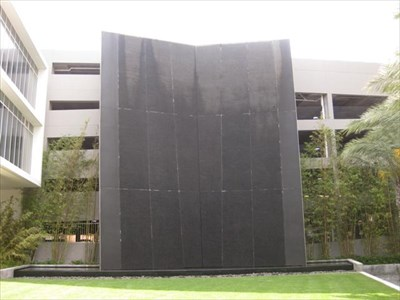 The Water Wall At Signature Place St Petersburg Fl Fountains On Waymarking