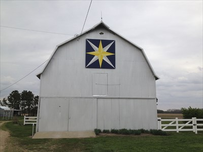 This Eastern Star Barn Quilt is mounted on a barn just east of DeWitt, NE. Viewed looking north from Chestnut Road.