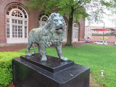 veritas vita visited Chattanooga Choo Choo Lion