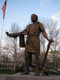 Cincinnatus Statue