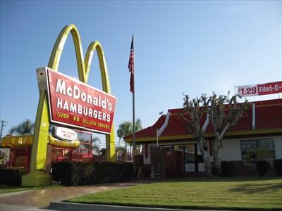 Mcdonalds 5900 Beach Boulevard Buena Park Ca