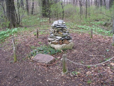 Gospel Hill Cairn & Plaque In Woods