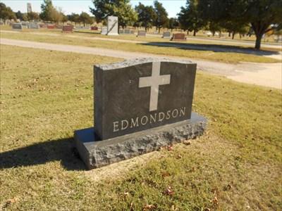 Here is the family marker for Edmondson.