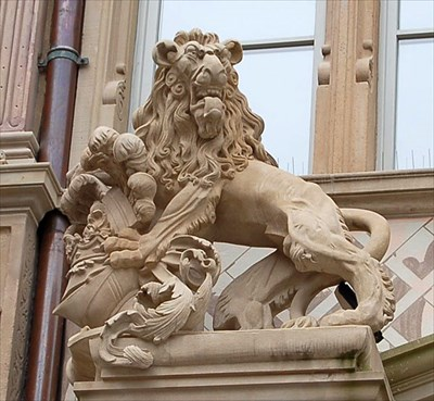 lions de la chambre de commerce strasbourg france lion statues on. Black Bedroom Furniture Sets. Home Design Ideas