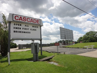 Cascade drive in west chicago il 60185