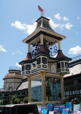 - Christmas Tree Shop Clock - Hyannis, MA - Town Clocks On Waymarking.com