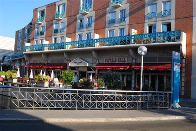 Buffalo grill espace saint quentin sq yvelines france steakhouses on - Buffalo grill france locations ...