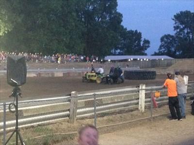Wayne county fair garden tractor demo derby