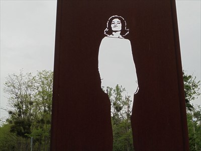 FR/Plan de détail de la sculpture de Maria Callas EN/detailed map of the sculpture of Maria Callas