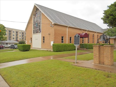 Shiloh Baptist Church showing location of historic marker.