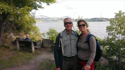 Citrouillard avec derrière le profil du pont à partir du parc Jacques Cartier