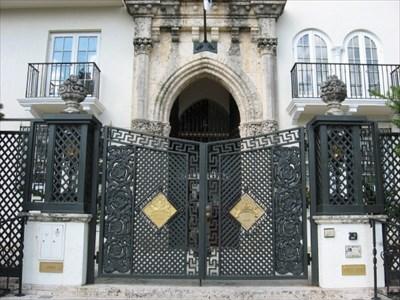 Versace Mansion Gates - Miami Florida - Gates of Distinction on Waymarking.com & Versace Mansion Gates - Miami Florida - Gates of Distinction on ...
