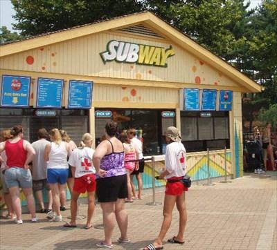 Boomerang Bay Subway Kings Island Oh Restaurants On Waymarking