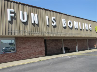 Pane 3 - Fun Is Bowling, Louisville, Kentucky