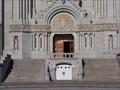 Image for La porte de la Basilique (Ste Anne de Beaupré) (Québec)