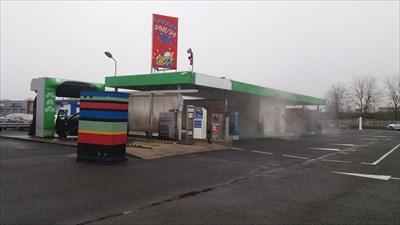 Station lavage saint cyr sur loire coin operated self for Garage auto st cyr sur loire