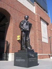 Nile kinnick photo