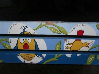 Photo gros plan des oiseaux peint. no-2  Photo close-up of painted birds.