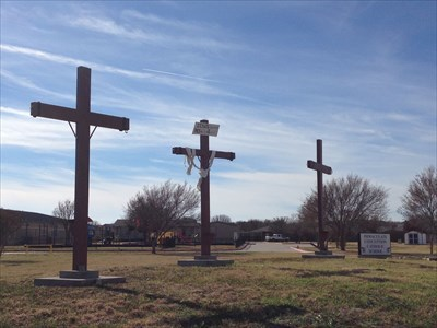 Immaculate Conception church 3 crosses