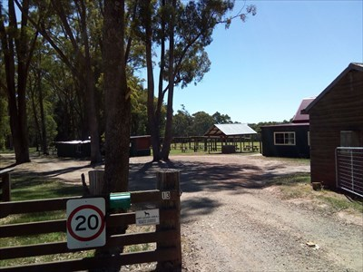 Entry to the Recreation Reserve, Off Leash Area. 1515, Sunday, 6 January, 2019