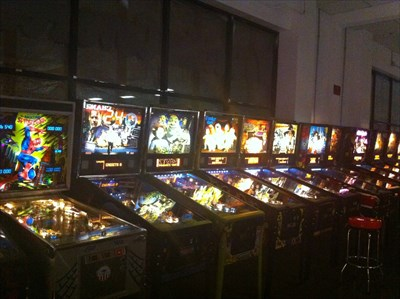 all the pinball machines here all work!