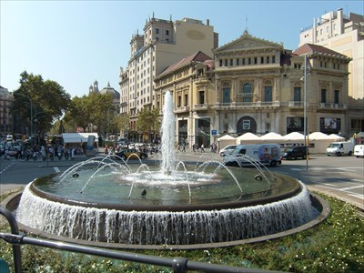 veritas vita visited Plaça de Catalunya Fountain