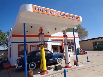 veritas vita visited Shell Vintage Gas Pump