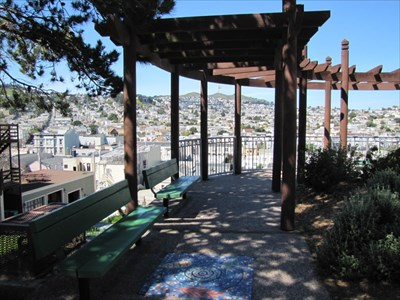 Trellis Walkway with Benches, San Francisco, CA