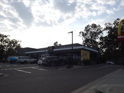 At the eastern entrance to Kurri Kurri, NSW. 25/1/16, 8am.