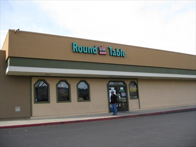 round table san leandro Round Table Pizza   14th St  San Leandro, CA   Pizza Shops  round table san leandro