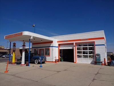 veritas vita visited Vintage Gas Pump