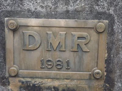 The eastern plaque - DMR - 1981
