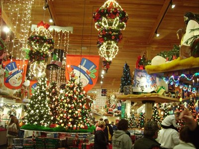 bronners christmas wonderland frankenmuth mi christmas stores on waymarkingcom