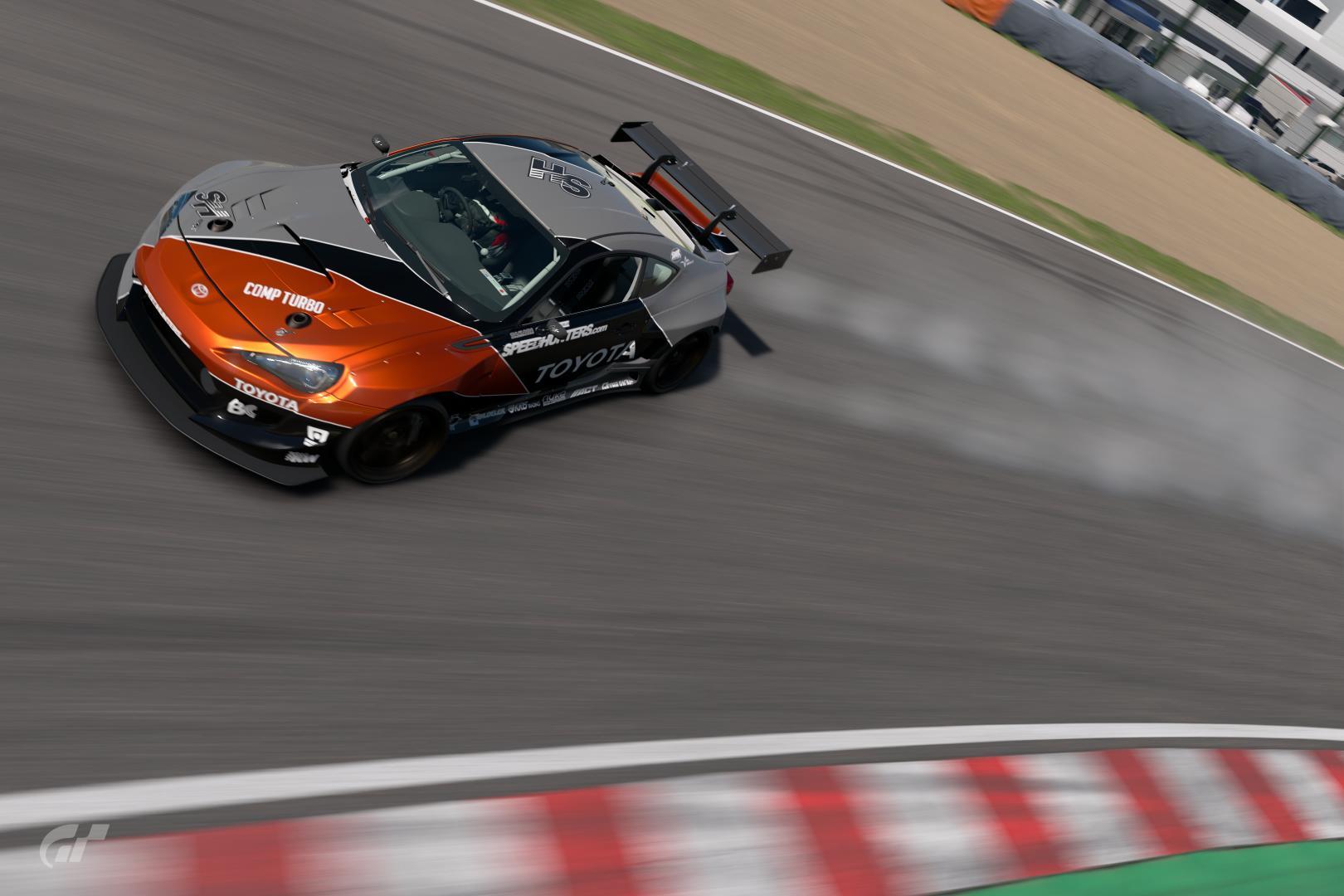 Gran Turismo (sport et les autres aussi) - Page 2 8079558886592381448_0