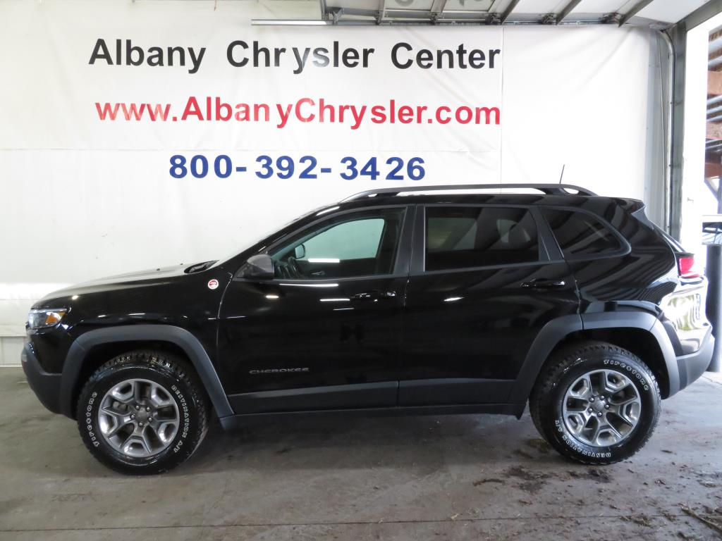 2019 Jeep Cherokee Trailhawk, Tow Pkg, Heated Seats, 4WD