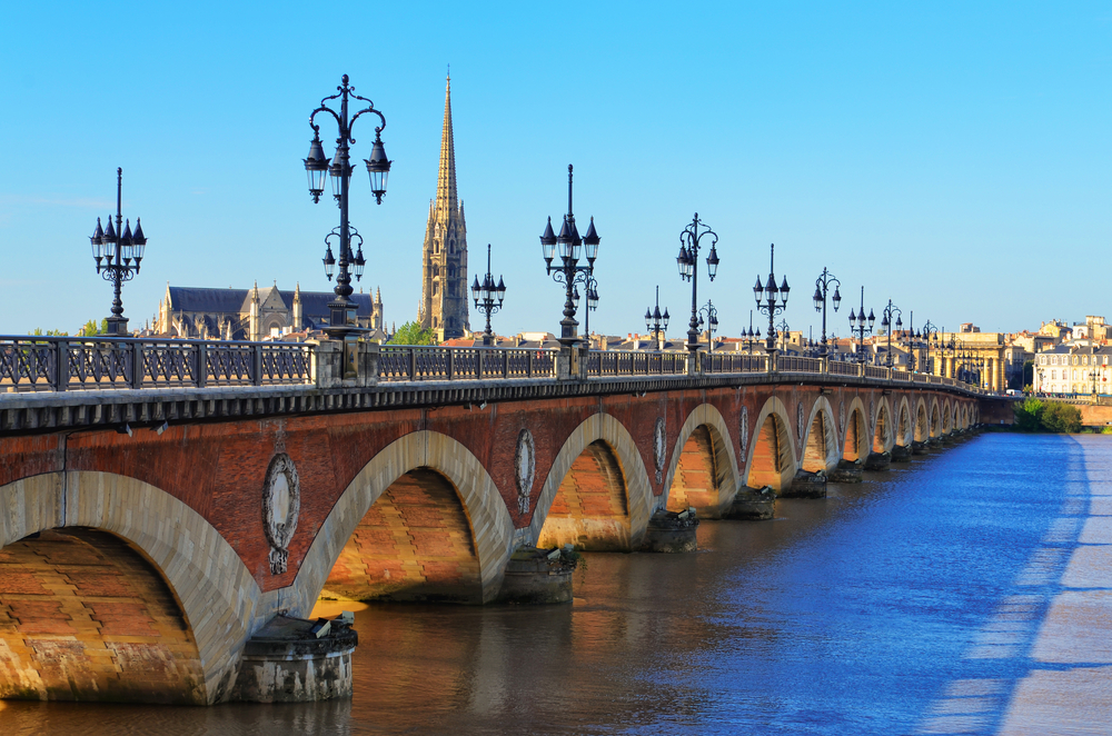 Top attractions in bordeaux france for Piscine chapou toulouse