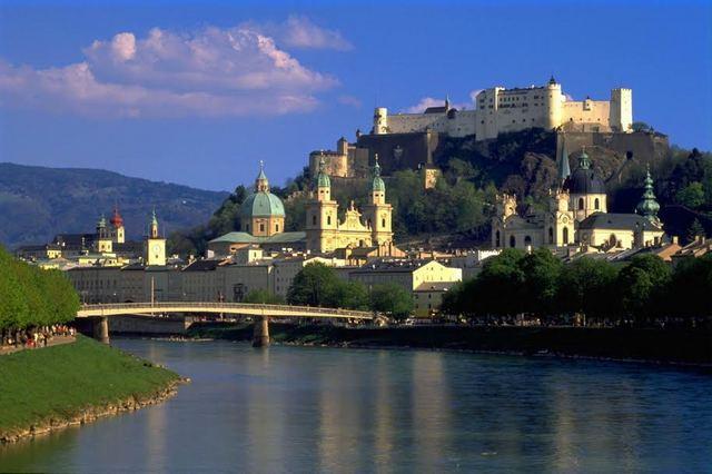 Chateau en Baviere.jpg