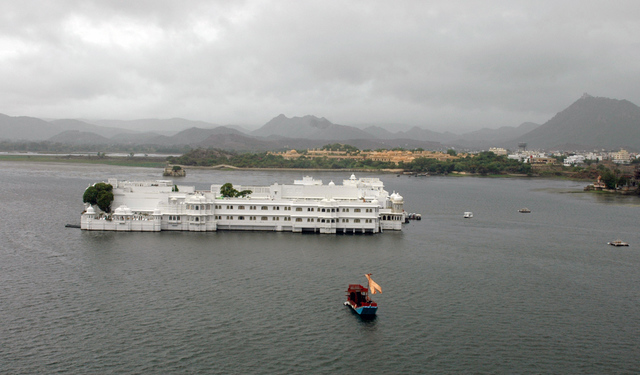1-Taj-Lake-Palace-UDR.jpg