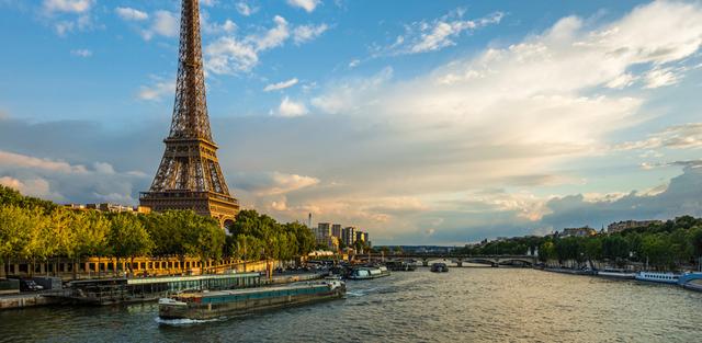2-Eiffel-Tower-Paris.jpg