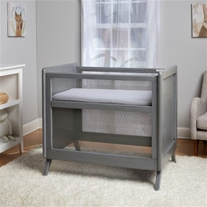 Breathable mesh mini crib