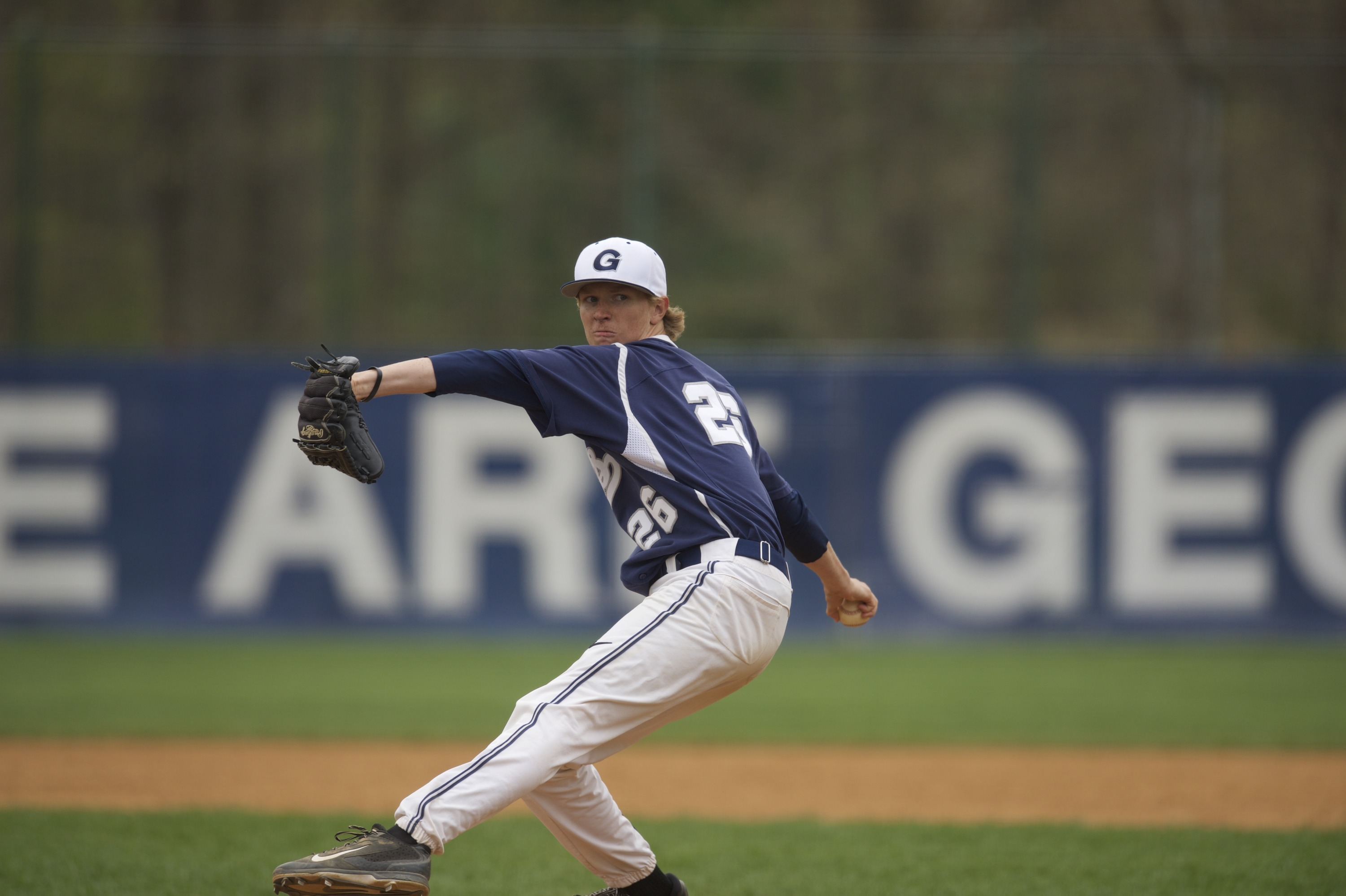 Simon Mathews fired his third-consecutive complete game on Saturday