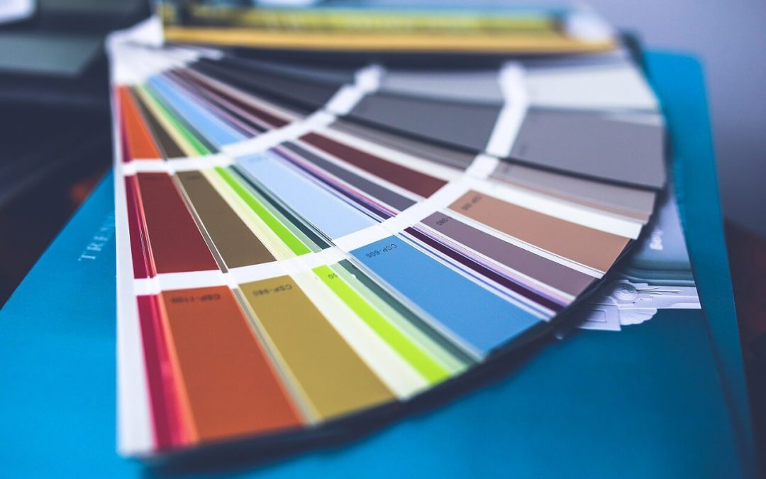 Como escolher a tinta para pintar as paredes?