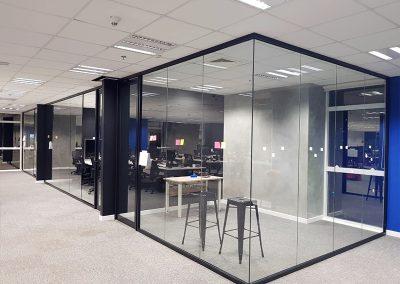 ds-divisória-de-vidro-escritório2