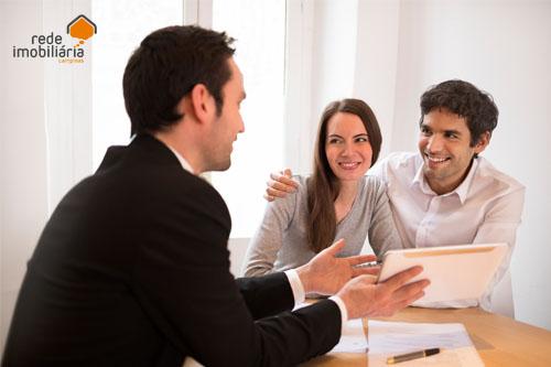 Por que contar com uma imobiliária exclusiva?