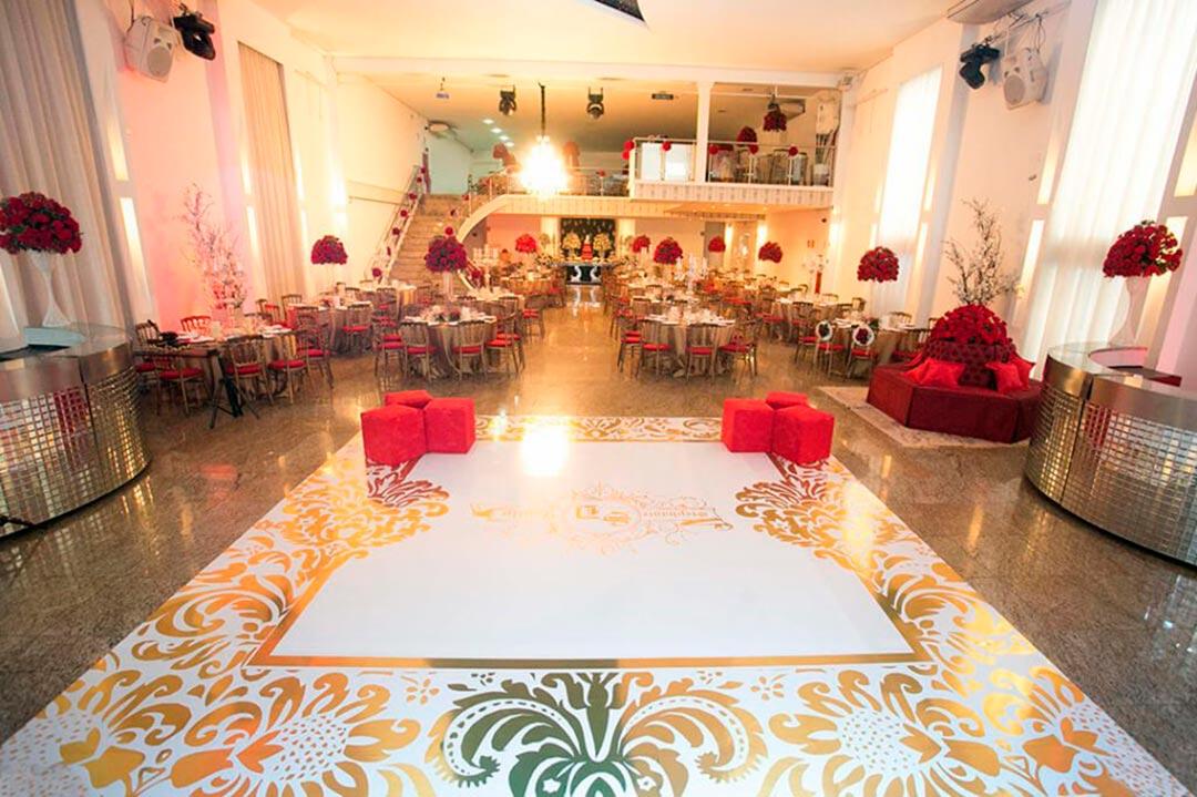 Decoração salão de recepção dos noivos - Festejare Decorações e Flores