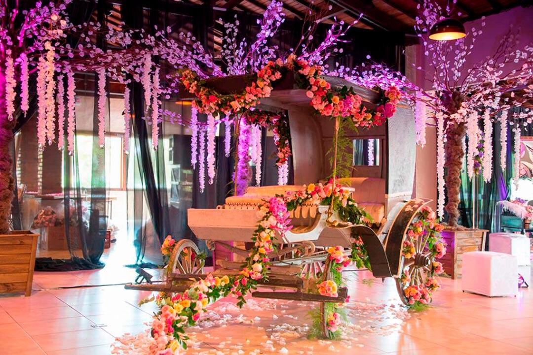 Decoração temática luxo - Festejare Decorações e Flores