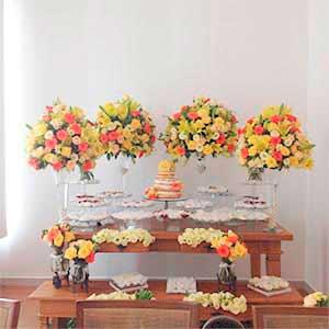 Mesa de madeira - vendas de peças para decoração