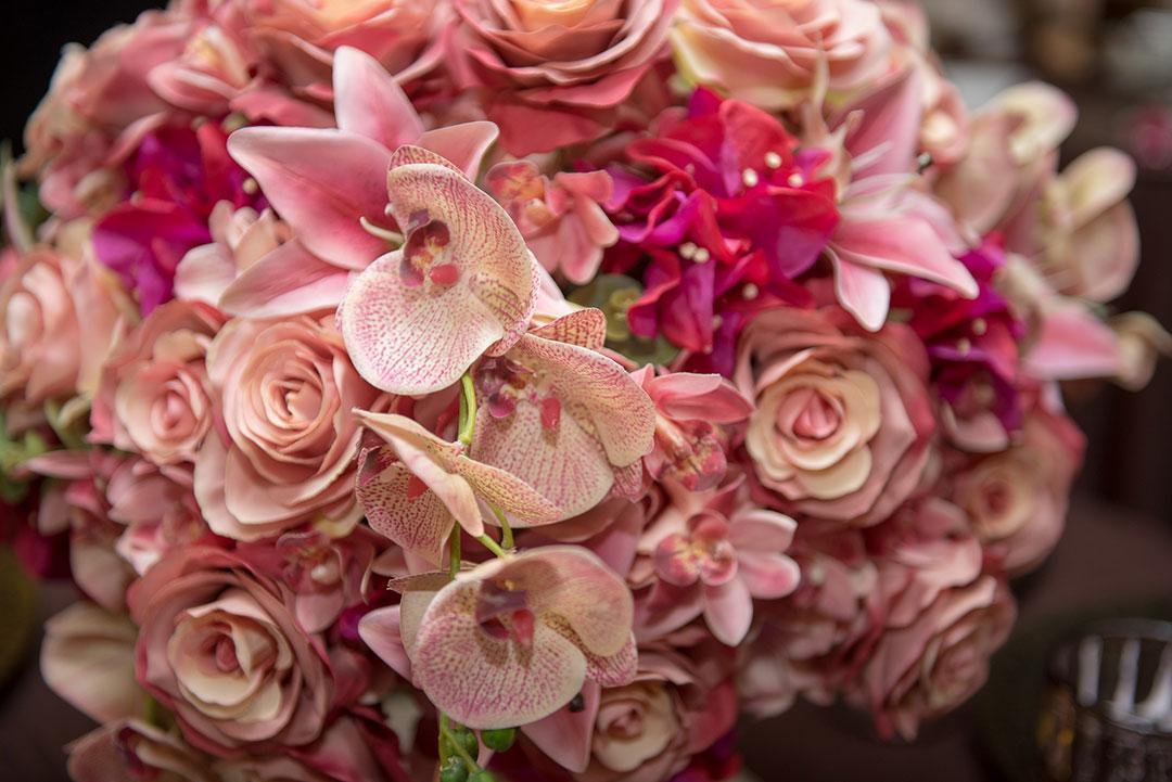 Arranjos decorativos com flores permanentes - Festejare Decorações
