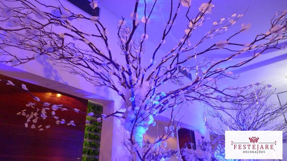Árvores francesas para aniversário de 15 anos com o tema Reino Gelado